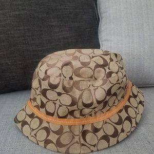 Coach Bucket Hat size